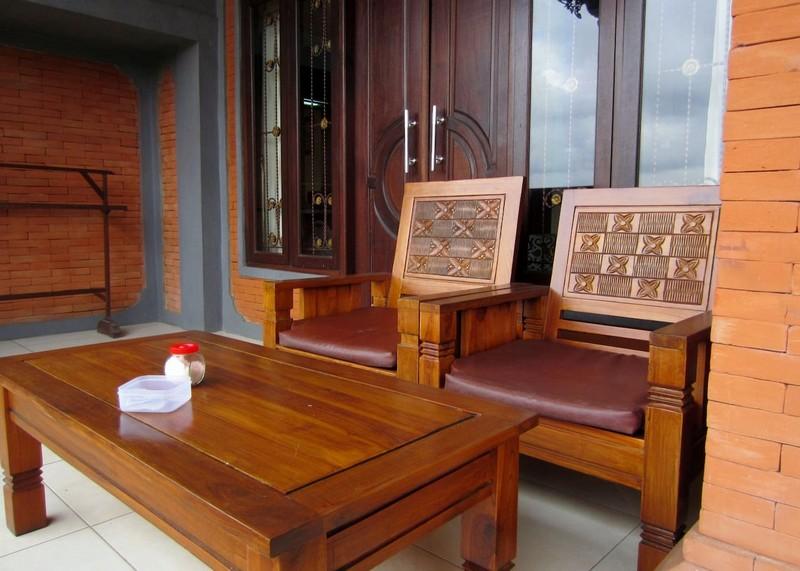 danasari_homestay_ubud_bali_room_ac_balcony_3
