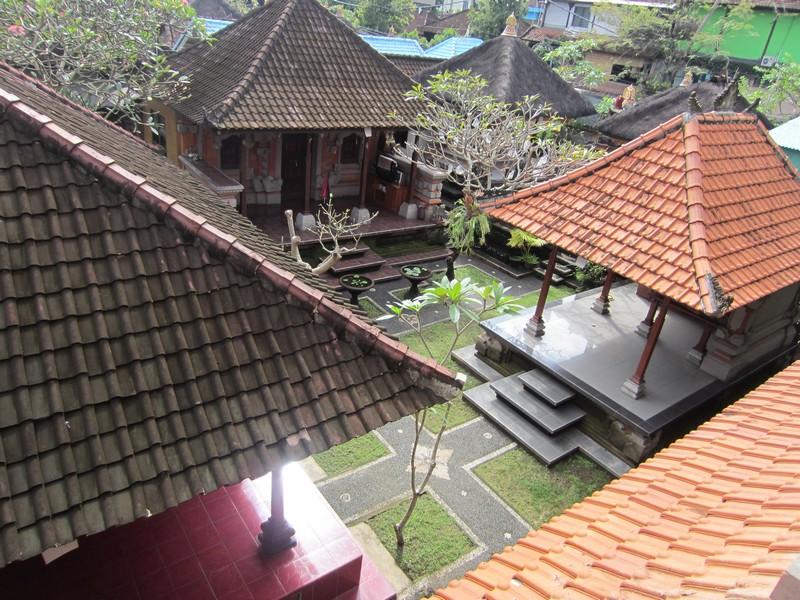 danasari_homestay_ubud_bali_std_room_garden_view_balcony