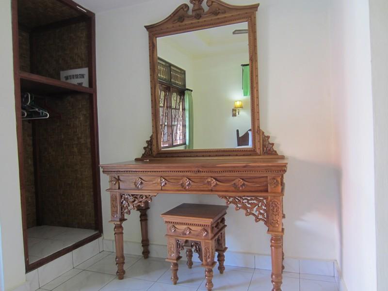 danasari_homestay_ubud_bali_std_room_rice_view_mejarias